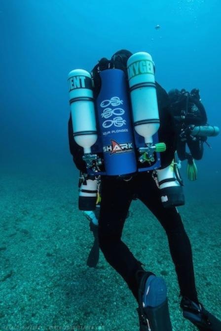 CCR SHARK chez AZUR PLONGEE