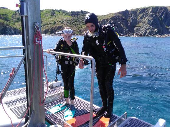 Support plongeurs avec ascenseur